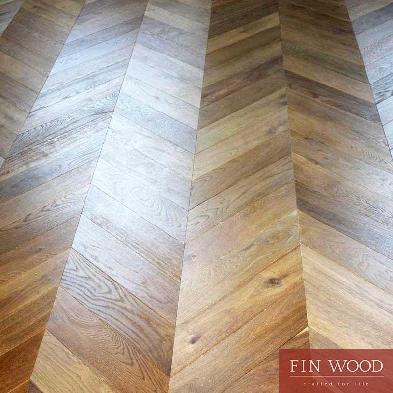 Fitting chevron engineered parquet floor - Chevron pattern