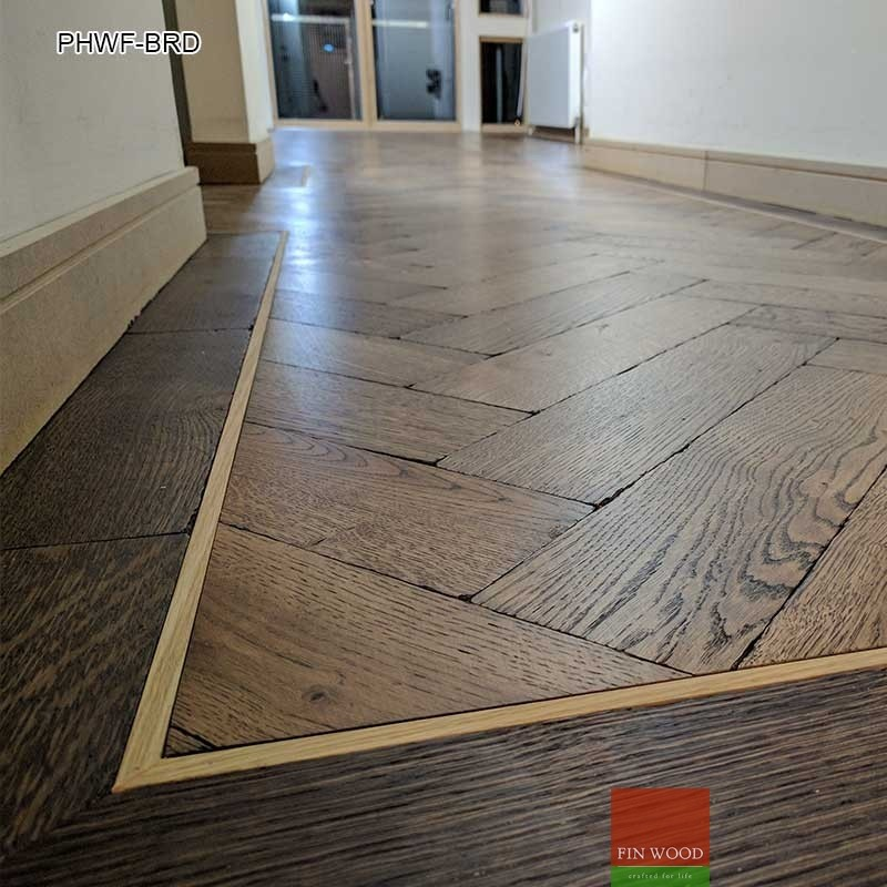 Parquet herringbone wood flooring with border for Parquet hardwood flooring