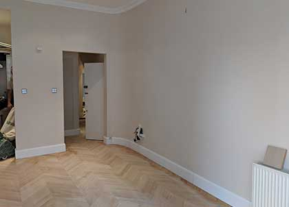 Skirting boards tailored to mirror the shape of the room