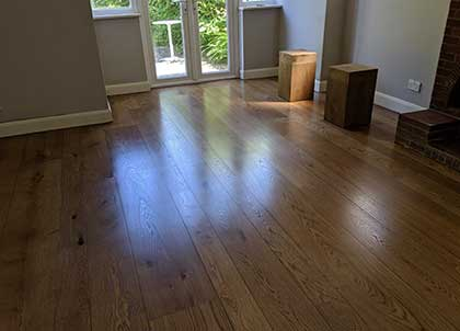 The end result, the beauty of a random width oak wooden floor