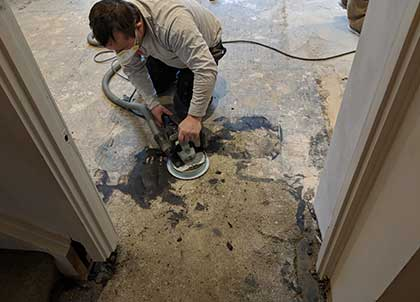 Removing bitumen from a concrete subfloor is very time consuming
