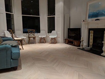 This chevron wooden floor doesn't feature a bevel