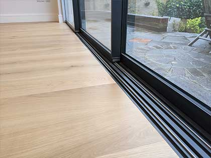 Along the high spec bifold garden doors, we achieved a seamless join without using any unnecessary and bulky trims or profiles #CraftedForLife