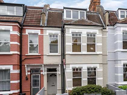 This two-bed Victorian flat in Tooting Common was recently refurbished to create a fresh new look #CraftedForLife